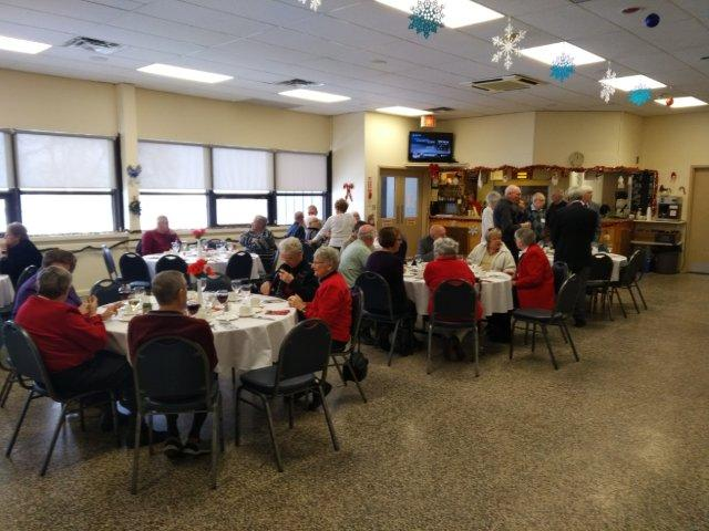 Federal Retirees members seated for a banquet